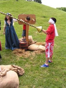 Középkori játékok, kalodás játék